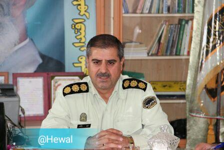 فرمانده انتظامی مهاباد :توقیف یک دستگاه سواری پژو پارس با ۹۰۲ ثوب البسه قاچاق