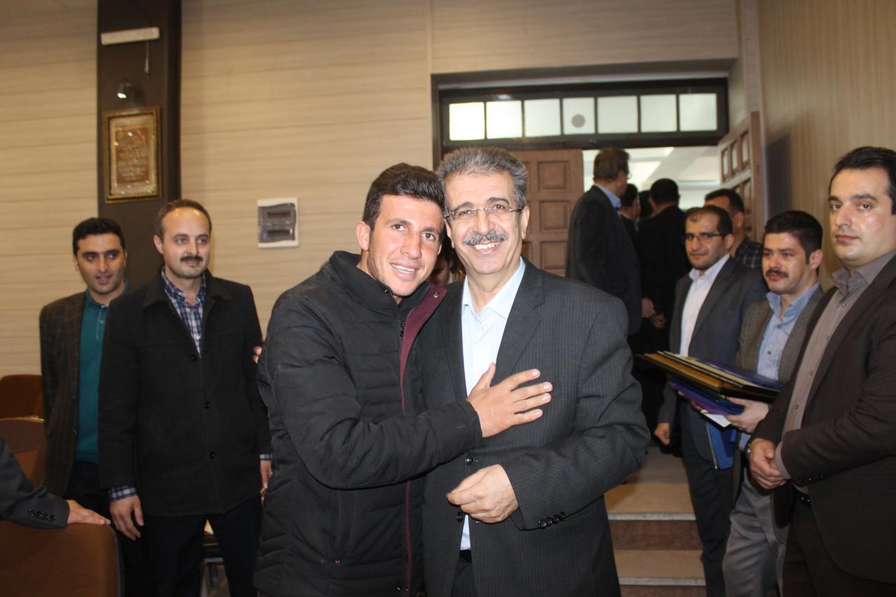 طی مراسمی باشکوه، فرماندار محبوب مهاباد سکان فرمانداری را به معاونش(دکتر ایرج شجاعی) واگذار کرد + تصاویر