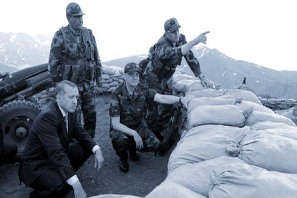 Photo of یک هفته پیش از برگزاری همه پرسی: آغاز رزمایش نظامی ارتش ترکیه در امتداد مرزهای اقلیم کردستان